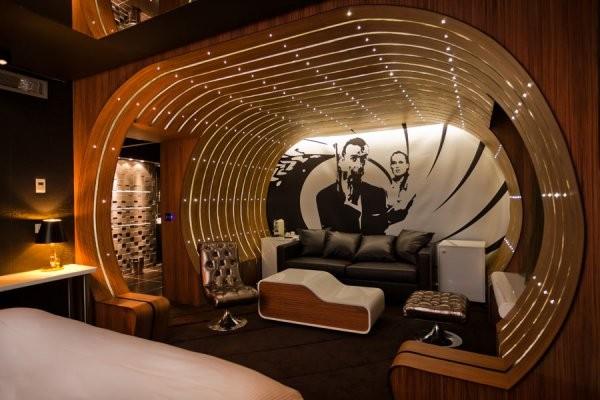 18- Suíte James Bond – Hotel Seven (Paris, França)