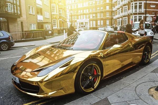 Gold Lamborghini Aventador