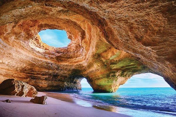 Caverna em Algarve, Portugal