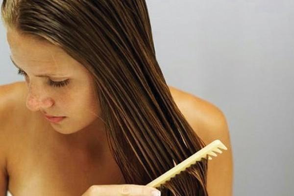 Prender os cabelos molhados