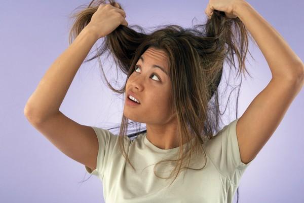 Ficar muitos dias sem lavar os cabelos