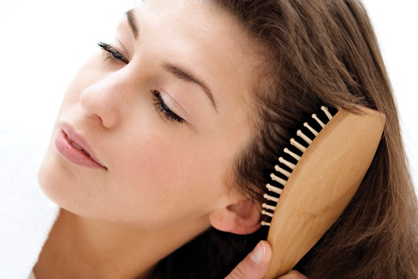 Pentear o cabelo seco