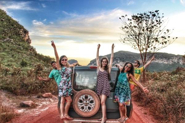 Fazer uma viagem de carro com os amigs