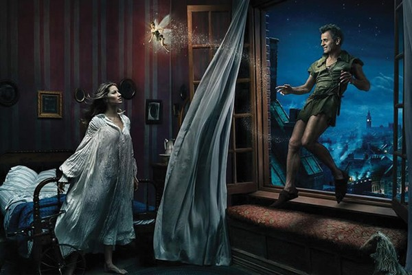 Mikhail Baryshnikov, Tina e Gisele Bundchen em Peter Pan