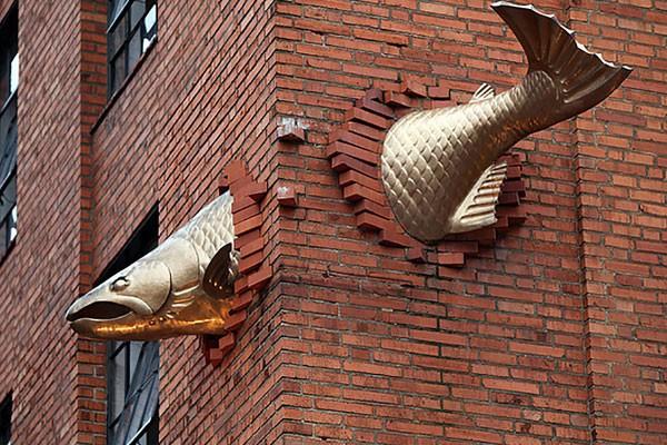 Escultura de um salmão