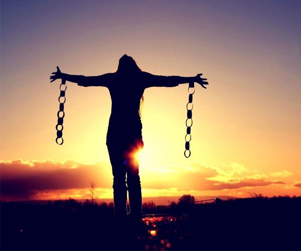 Desista de viver sua vida através das expectativas de outras pessoas