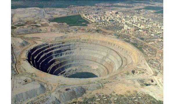 As crateras da Sibéria, na Rússia