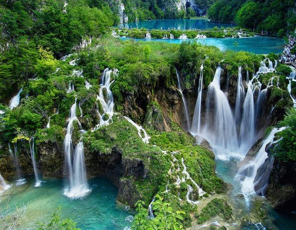 Large Waterfall – Plitvice Lakes National Park, Croatia