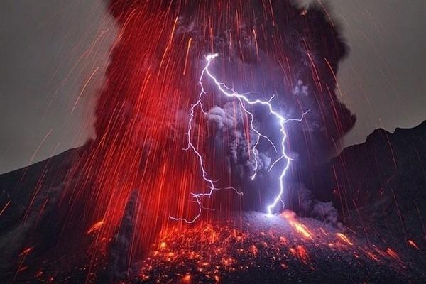 Tempestade vulcânica