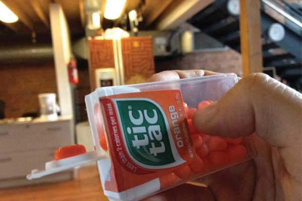 Você anda dispensando Tic Tacs do jeito mais difícil.