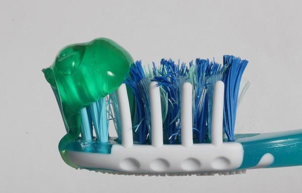 Você está escovando com muita pasta de dente.