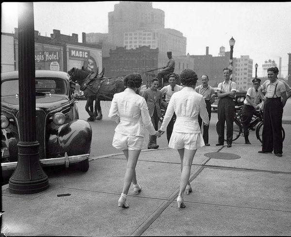 Mulheres usam shorts curtos pela primeira vez em Toronto, no Canadá – 1937