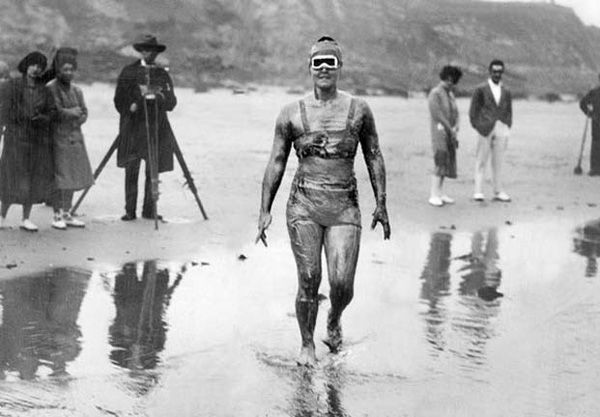Gertrude Ederle, a primeira mulher a cruzar o Canal da Mancha a nado – 1926