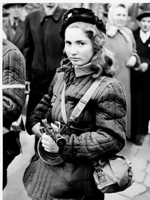 Erika, húngara de 15 anos que lutou contra a União Soviética – 1956