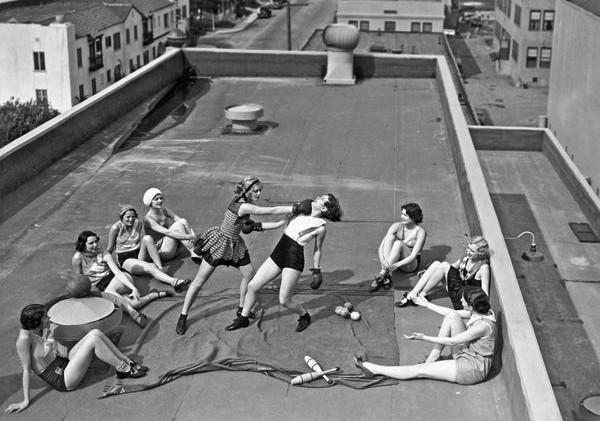Mulheres treinando boxe em Los Angeles (EUA) – 1933