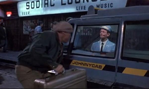 Carros que dirigem sozinhos – O Vingador do Futuro (1990)