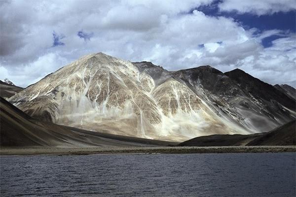 Aksai Chin - Montanhas do Himalaia, entre a Índia e a China