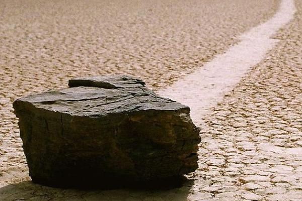 Rochas deslizantes de Racetrack Playa - Estados Unidos