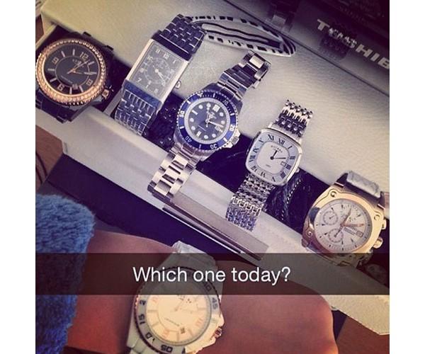 Qual desses relógios?