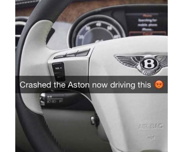 Carro luxuoso