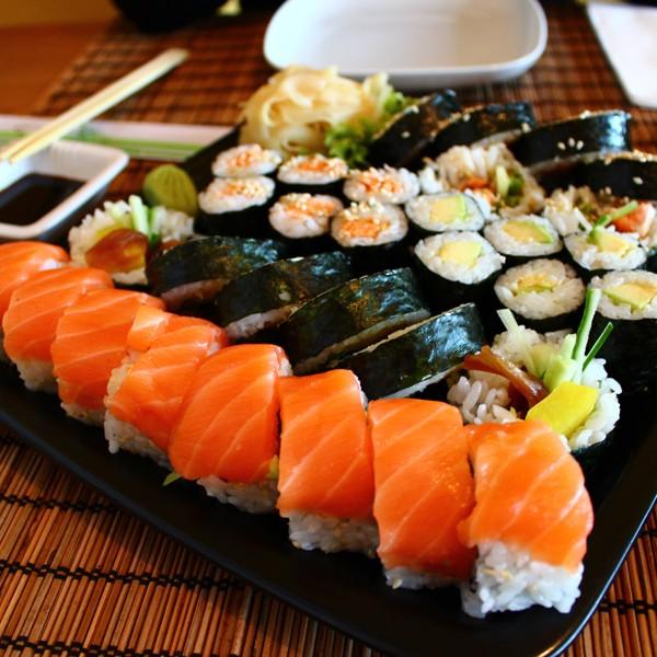 Nem sempre o maki-zushi é enrolado em algas