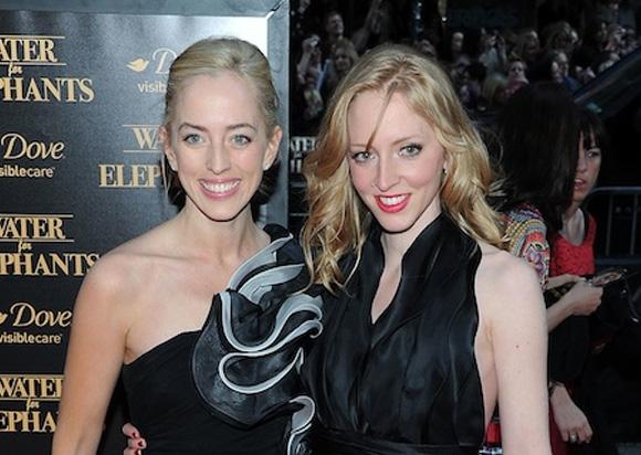 11. Lizzy e Victoria Pattinson
