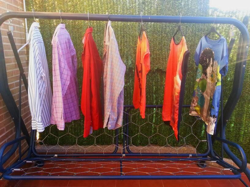 9. Evitar passar o ferro colocando suas roupas em cabides