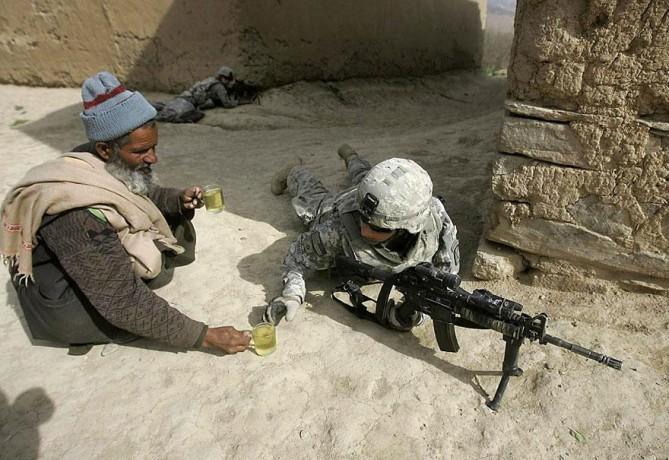 12. Um pouco de chá, em meio à guerra