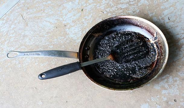 3. Adeus às panelas queimadas