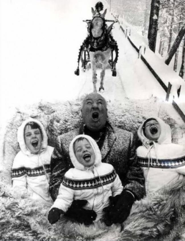 Alfred Hitchcock brincando com os netos