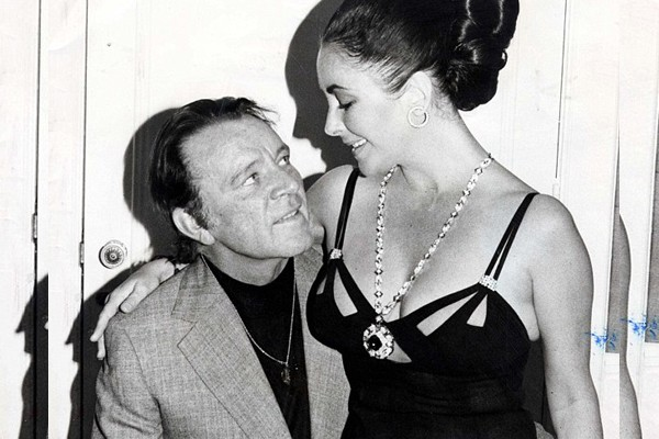 Elizabeth Taylor e Richard Burton