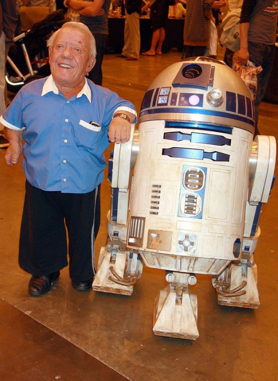Kenny Baker (robô R2-D2)