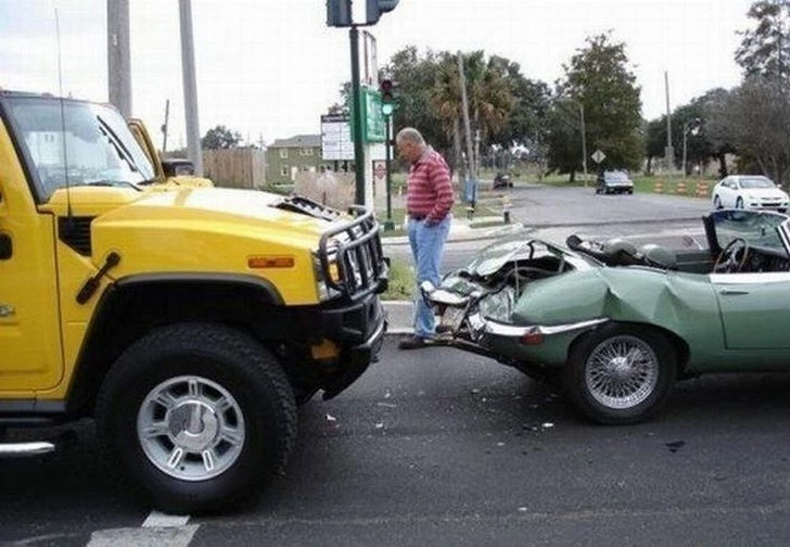 Você arranhou o parachoques da minha caminhonete!