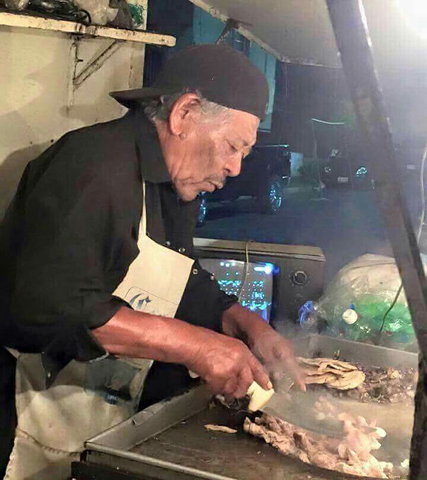 Morgan freeman vendedor de tacos
