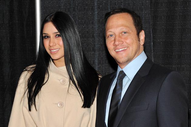 Rob Schneider (53) e Patrícia Azarcoya Arce
