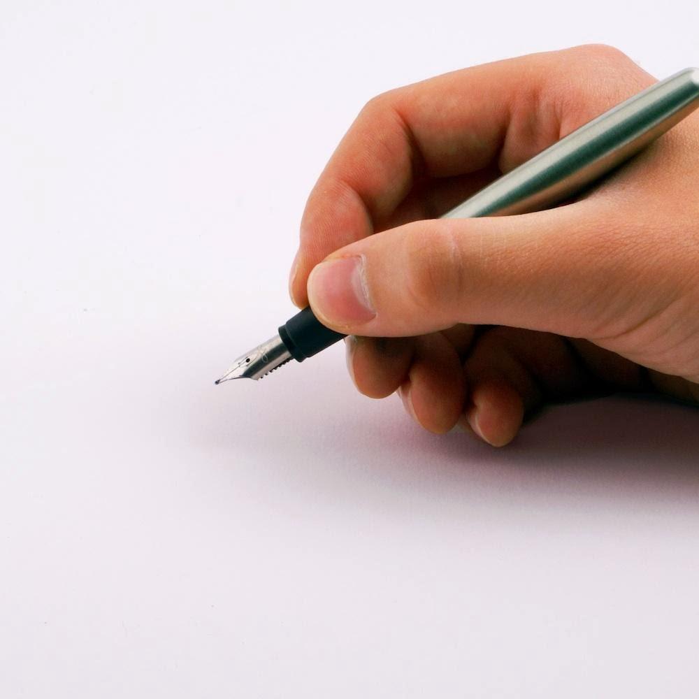 A primeira coisa que você escreve numa folha de papel