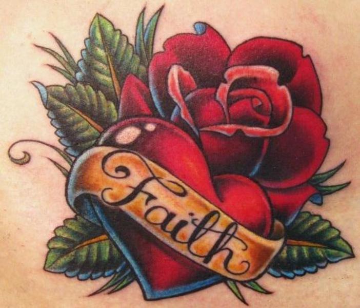 O que a tatuagem de rosas significa?