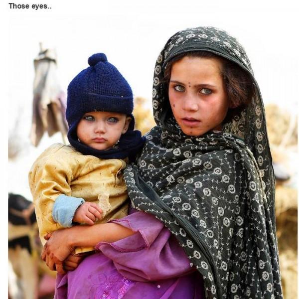 Olhares impactantes de mãe e filho