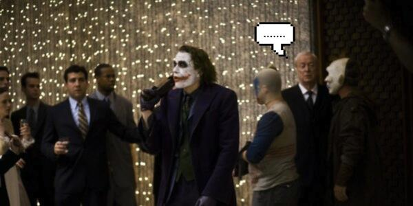 Michael Caine ficou impressionado com o desempenho de Heath Ledger e esqueceu suas falas