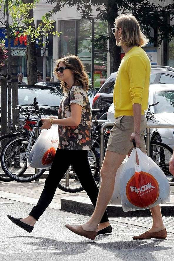 Chloe Grace Moretz vai às compras