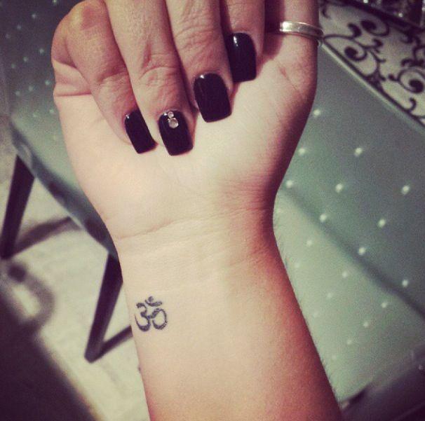 O que a tatuagem OM significa?