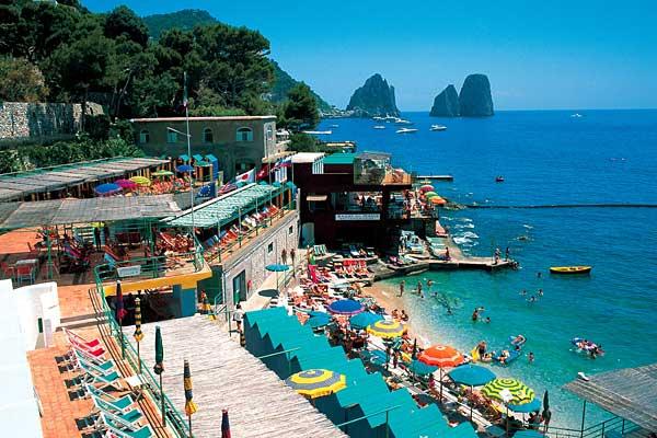 Capri: na Itália, são proibidas as sandálias que fazem barulho
