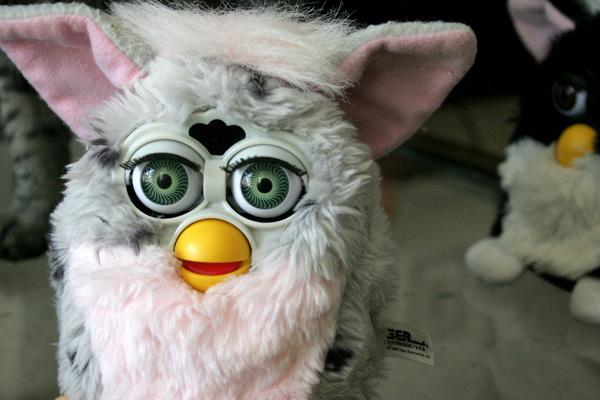Estados Unidos: Furby poderia revelar segredos de Estado