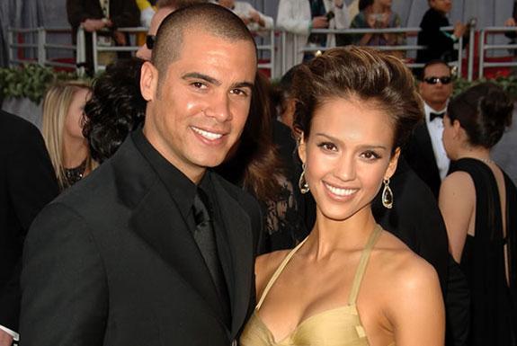 Jessica Alba casou com seu fã, Cash Warren