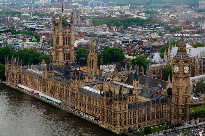 Inglaterra: Proibido morrer nas Casas do Parlamento