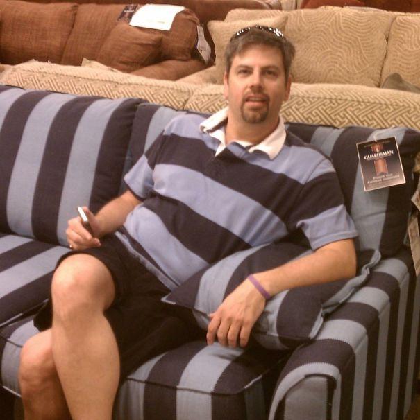 Eu vou levar o sofá! Combina perfeitamente.