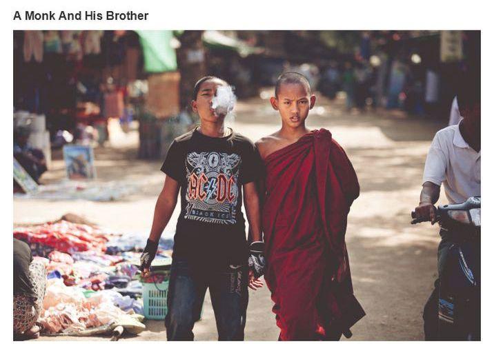 Um monge com seu irmão