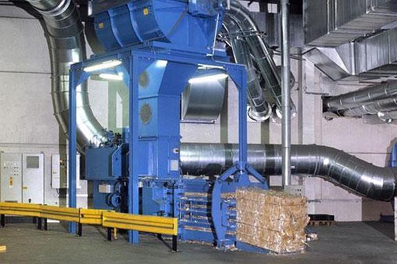 A máquina de compactação do lixo