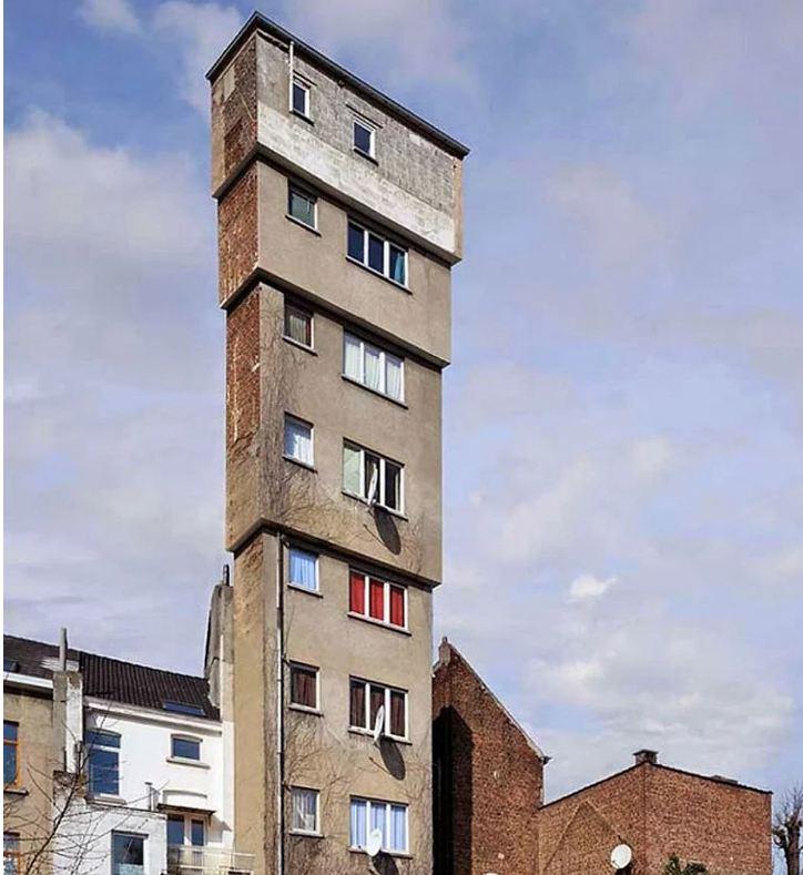 Este edifício, sem dúvidas não foi feito por um arquiteto