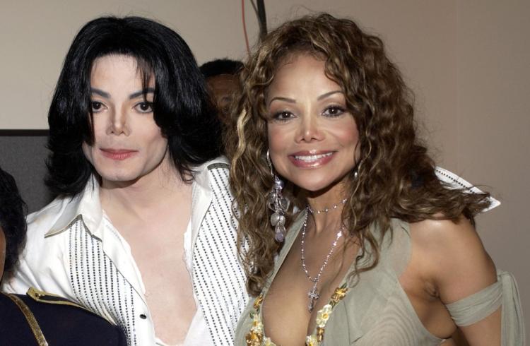 Michael e sua irmã, La Toya Jackson são a mesma pessoa